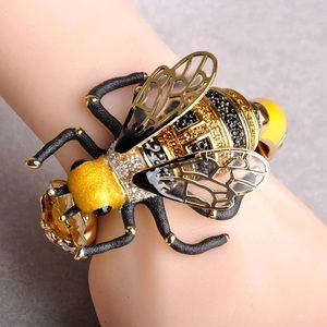 Big Flower Lifelike Bee Bracelet